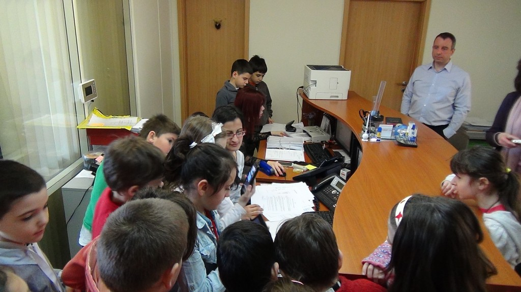 novacon-bulgaria-the-payroll-and-accounting-company-meeting-with-young-entrepreneurs1